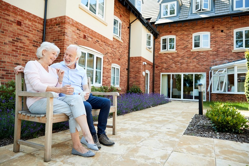 THE ADVANTAGES OF RETIREMENT HOMES